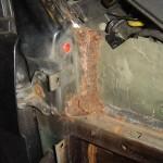 range-rover-doorpillar-rust
